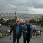 Професори испред панораме Париза