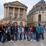 Професор Чедо са својим одељењем у Версају